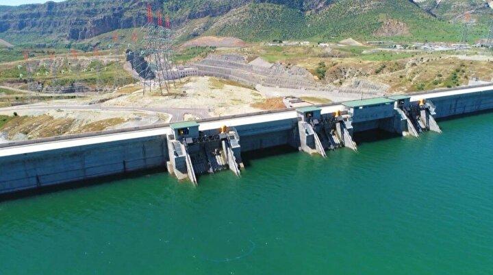 Pakdemirli, inşa edilen Ilısu Barajı ve Hidroelektrik Santrali'nin her biri 200 MW gücünde 6 tribünden oluştuğunu belirterek, şunları kaydetti: