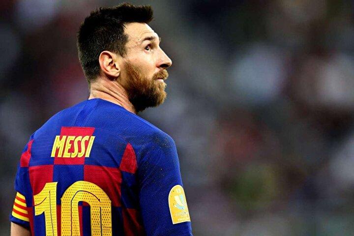 Barcelona ile profesyonel sözleşme imzaladıktan sonra hiçbir takıma transfer olmayan ve yıllardır Katalan ekibinde oynayan Lionel Messi ile ilgili şaşırtan bir transfer gerçeği ortaya çıktı.