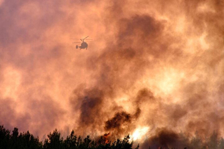 Havanın sıcak olması yangın riskini artırıyor. Koronavirüse karşı nasıl dikkatli oluyorsak ormanlarımız konusunda da hassas davranmalıyız. Böyle bir afet yaşamak istemiyoruz.