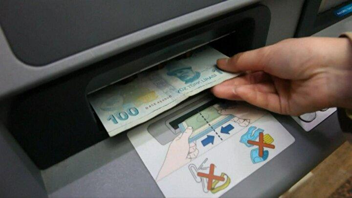 Akbanktan yapılan açıklamaya göre, kampanya kapsamında Akbanktan ihtiyaç kredisi kullanacak Akbank müşterileri, kredilerinin ilk taksitlerini de 3 aya kadar erteleyebilecek.Kredi kullanmak isteyen müşteriler 724 Akbank Mobil aracılığıyla kredi başvurularını yapabilir ya da dilerlerse 444 25 25 Müşteri İletişim Merkezimizi arayabilir veya kendilerine en yakın Akbank şubesi ile kolayca iletişime geçebilirler.