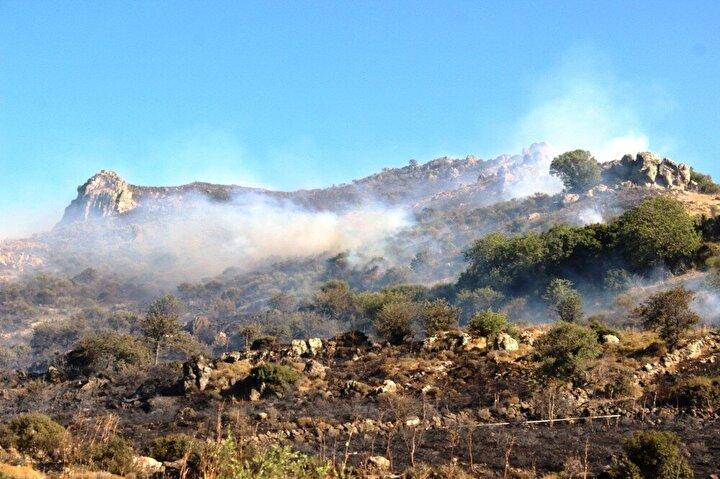 Gürece Mahallesi Gürece Tepesinde otluk ve makilik alanda henüz nedeni bilinmeyen nedenle yangın çıktı.
