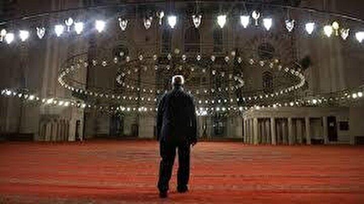 Çanakkale bayram namazı saati: 06:25:00-Denizli bayram namazı saati: 06:20:00-Eskişehir bayram namazı saati: 06:10:00