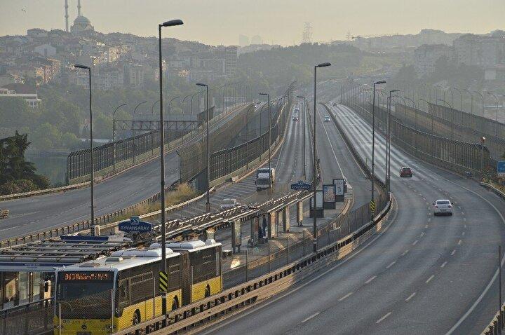 Normal şartlarda üst düzey yoğunluğun yaşanması gereken Arefe Gününde İstanbulda da büyük bir sessizliğin olduğu görüldü.