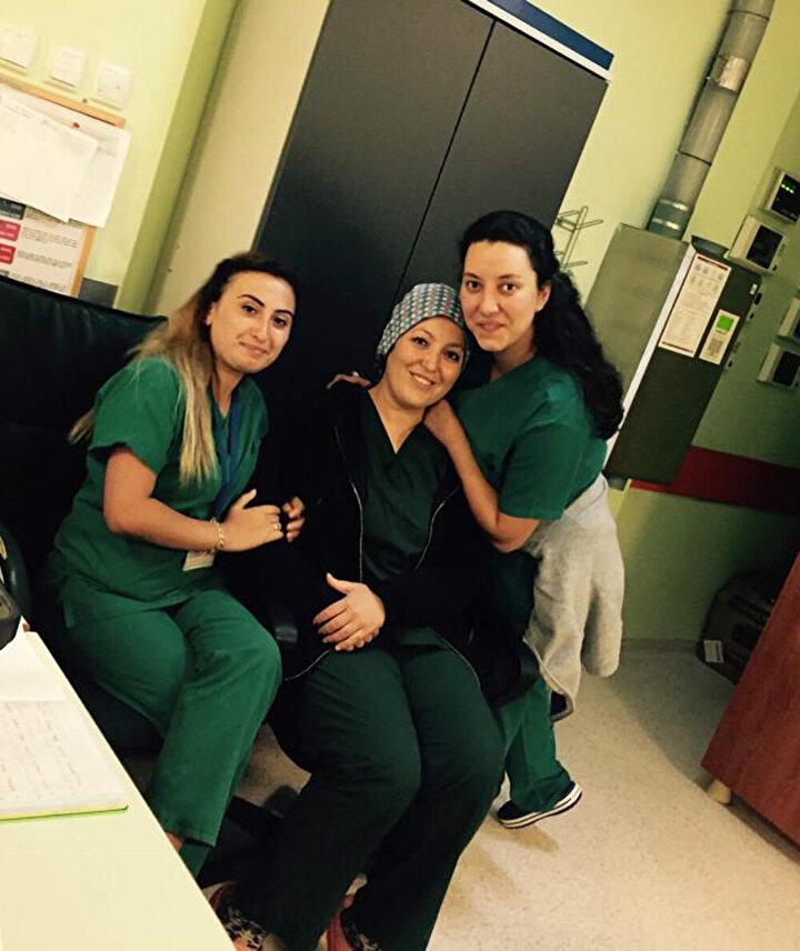 30 yaşındaki Dilek Akçabelen, yüksek ateş, sırt ve bel ağrısı şikayeti ile 11 Nisan gecesi hastaneye kaldırıldı.