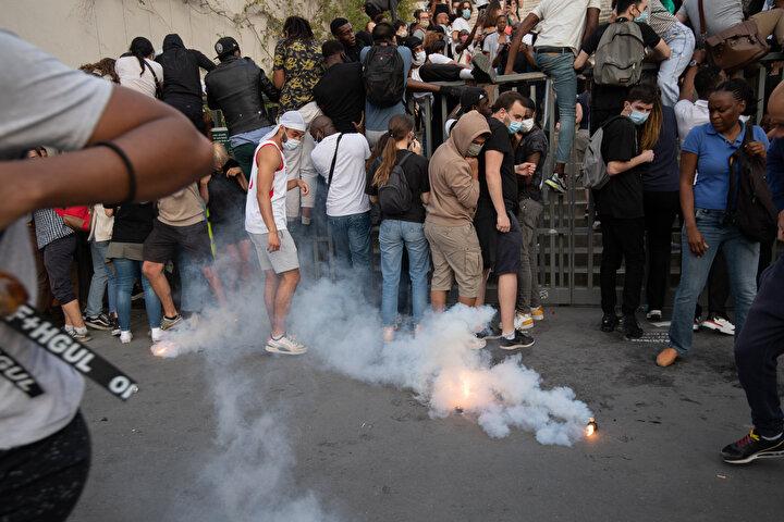 Traorenin ölümü sonrası çok sayıda protesto gösterileri düzenlenmiş, Traorenin kardeşleri ve aile fertlerinden birçoğu gözaltına alınmıştı.
