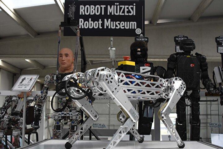 Akınrobotics Üretim Koordinatörü Süleyman Demir, fabrikada insansı robotlar ürettiklerini hatırlatarak, geliştirdikleri robot projeleri arasında 4 ayaklı robotun da olduğunu belirtti.