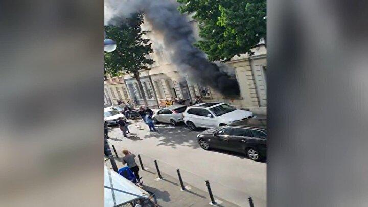Komşuların ani müdahalesi ve itfaiyenin zamanında gelmesi ile olası facia yaşanmadan önlendi. Ahşap yapı olan binada yaşayan tamamı Bulgar vatandaşı 13 kişi tahliye edildi.