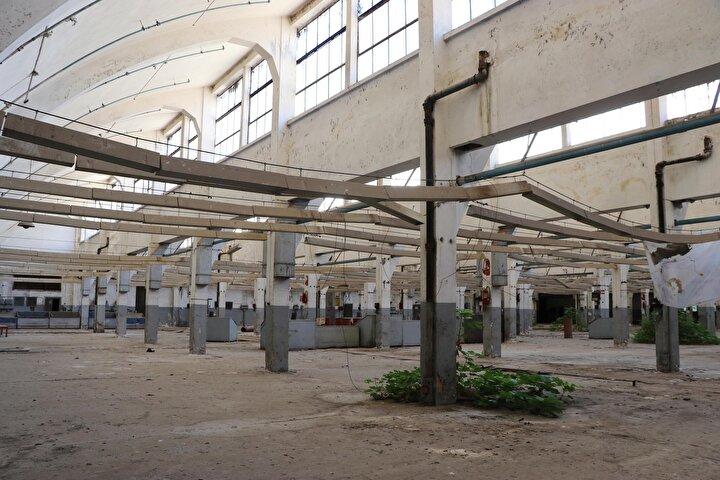 CUMHURBAŞKANLIĞI YATIRIM OFİSİ DEVREDE  Adnan Menderes Üniversitesi, toplam 340 bin metrekare alana sahip komplekste Sağlık ve Meslek Yüksekokulu olarak toplam 60 bin metrekare alanda 2 bin öğrenciye eğitim veriyor.