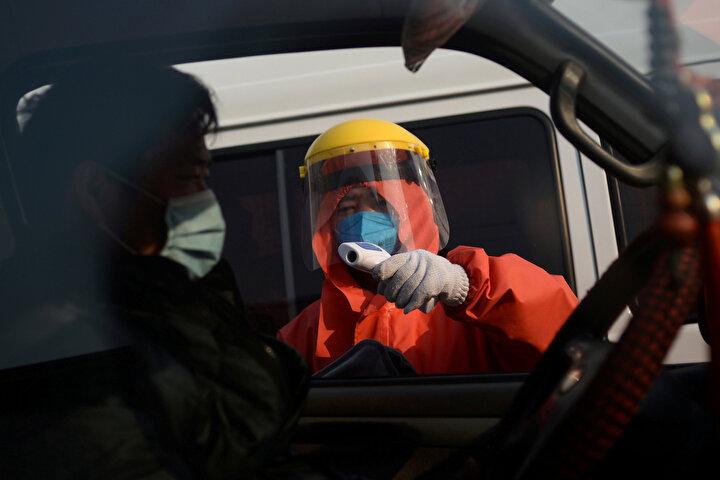 Çinde son günlerde Kovid-19 vakalarında ani artış görülen Pekindeki duruma değinen Ghebreyesus, Geçen hafta Çin, 50 gün tek vakanın görülmediği Pekin şehrinde yeni bir vaka dizisi rapor etti. An itibarıyla 100den fazla yeni vaka teyit edildi. diye konuştu.