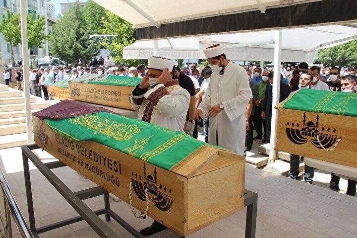 5 kişilik ailenin cenaze namazını İl Müftüsü Selami Aydın kıldırdı. Cenaze namazına Belediye Başkanı Şahin Şerifoğulları, AK Parti İl Başkanı Ramazan Gürgöze, ailenin yakınları ve çok sayıda vatandaş katıldı.
