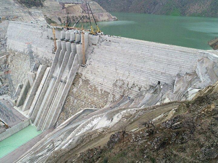 Kendi kategorisinde Türkiye ve Avrupa'nın en büyük barajı olan Çetin Barajı'nın maksimum işletme kotunda, 615 milyon metreküp su depolanacak, 37 kilometre uzunluğunda ve 12 kilometre alanında bir göl alanı oluşacak.