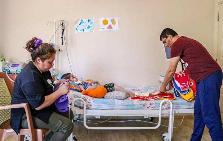 Bebeklerde en sık rastlanan ölüm nedeni olarak kabul edilen SMA, batı ülkelerinde daha sık görülüyor. Ülkemizde ise yaklaşık 6 bin ile 10 bin doğumda bir bebekte görülen genetik geçişli bir hastalık.