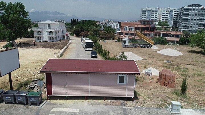 Konyaaltı ilçesi Kuşkavağı Mahallesinde sahile sıfır 120 milyon değerinde, 4 bin 108 metrekare arazisi bulunan 53 yaşındaki Arif Orhan, iddiaya göre bu alanı hiçbir ticari faaliyette kullanamadı.