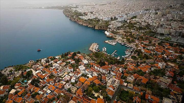 Yılın ilk 5 ayında Türkiye genelinde 434 bin 757 konut satışı gerçekleşirken, satışlarda bir önceki yılın aynı dönemine göre yüzde 2,2lik düşüş yaşandı.