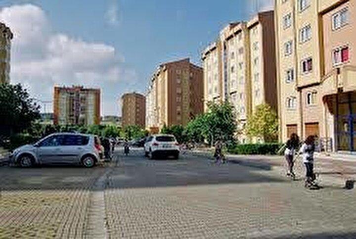 Azalış oranının iki haneli rakamlarda gerçekleştiği diğer ilçeler ise yüzde 12,82 ile Pendik, yüzde 12,63 ile Bakırköy, yüzde 12,62 ile Ataşehir, yüzde 11,63 ile Fatih, yüzde 10,04 ile Esenyurt, yüzde 10,01 ile Sancaktepe oldu.