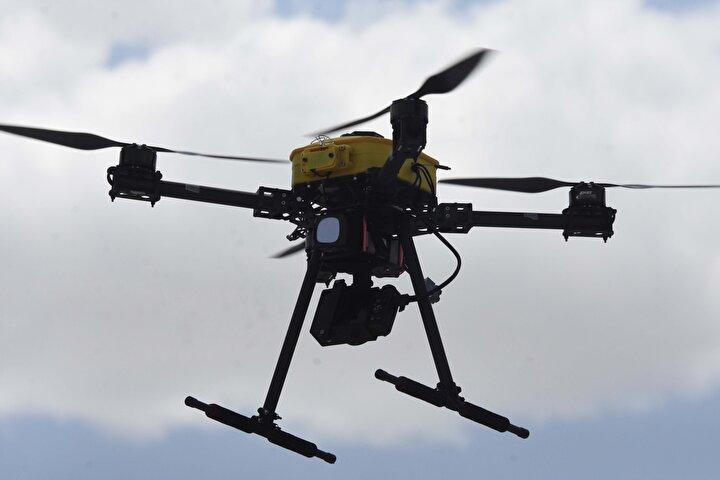 Necmettin Erbakan Üniversitesi bünyesinde kullanılacak insansız hava aracı multicopter, üniversite imkanlarıyla yerli ve milli olarak Havacılık ve Uzay Bilimleri Fakültesinde üretildi. Düşük maliyetle yapılan multicopter, otonom, yarı otonom ve manuel modları sayesinde esnek bir uçuş imkanı sağlıyor.