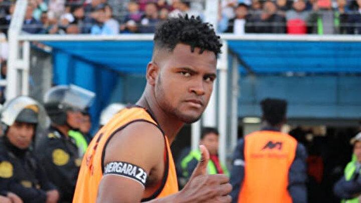 Ajanssporun haberine göre; Perunun Deportivo Binacional Kulübünde oynayan ve menajerliğini Turkovic Musonun yaptığı oyuncuyla 2+1 yıllık anlaşma için taraflar el sıkıştı.