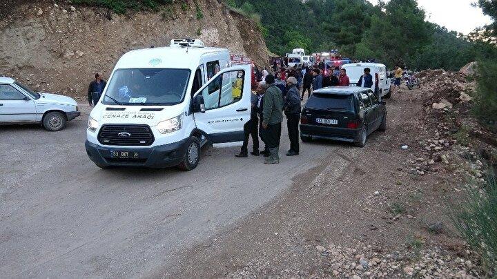 Edinilen bilgiye göre, ilçeye bağlı Çamlı Mahallesinde ikamet eden 25 yaşındaki Hasan Ersin'den ailesi 18 Haziran'dan bu yana haber alamadı.Ailenin kayıp başvurusu üzerine jandarma ekipleri ve köylüler mahalle çevresinde arama yaptı. Ancak bir sonuç alınamadı. Bunun üzerine gencin arkadaşları bir caminin güvenlik kamerasını inceleyip Ersin'e ait olan 33 VL 313 plakalı kamyoneti fark ederek gittiği istikamette arama yapmaya karar verdi.