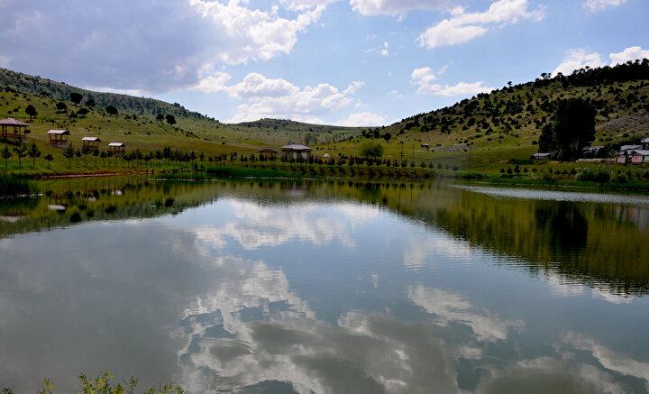 Belde sakinlerinden Gürcü Aslan, yaylarını çok sevdiklerini belirterek, Bu yaylaya aşığız, geliyoruz, burada temiz hava alıyoruz. Gölümüzün tadını çıkarıyoruz. Gölü görmek için şehir dışından da gelen vatandaşlarımız oluyor dedi.