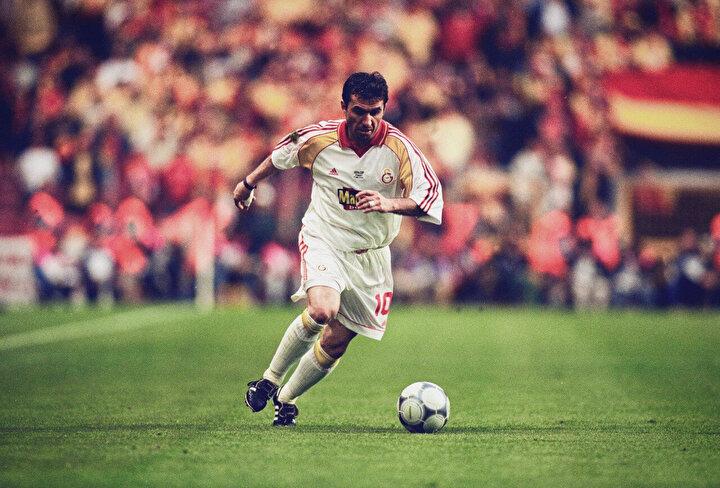 Sabri Ugan: Nasıl anlatalım bu golü şimdi size. Nasıl anlatılabilir. Böyle bir gol yok. Böyle bir vuruş yok. Buna füze mi demek lazım, ne demek gerekiyor? Ama Hagi demek her şeyin basiti (Galatasaray-Monaco maçı)