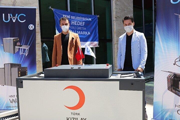 İlk olarak Türk Kızılayı temin ettiği maske dezenfeksiyonunda kullanılan cihazı kullanmaya başladı.