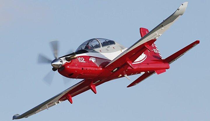 Türkiyenin lider havacılık sanayi şirketi TUSAŞ, Türk Silahlı Kuvvetlerinin eğitim uçağı ihtiyacını yerli ve milli imkanlarla karşılamak amacıyla 2006da imzaladığı sözleşmeyle Ar-Ge faaliyetlerine başladı ve 27 Haziran 2012de Hürkuş Eğitim Uçağının, yer ve hava testleri yapılmak üzere ilk prototipini hangardan çıkardı.