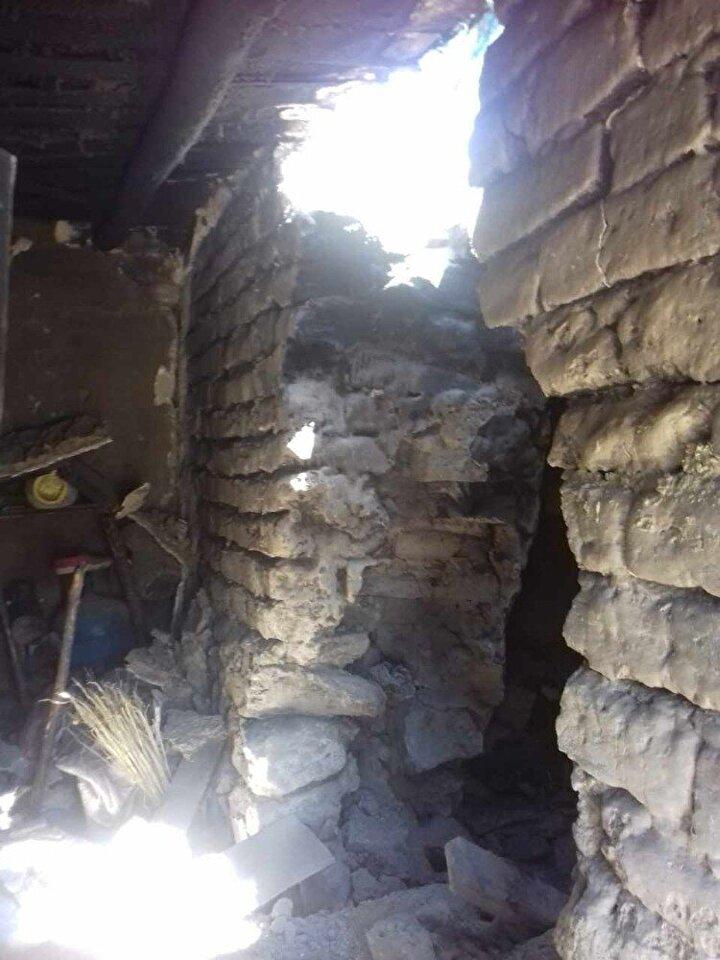 Depremde Elaçmaz Mahallesinde bazı evler hasar görürken, bölgeye AFAD ve Çevre ve Şehircilik İl Müdürlüğü ekipleri gönderildi.