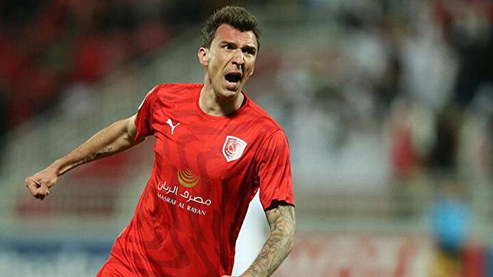 Belözoğlu, ocak ayında Katarın Al Duhail takımına giden 34 yaşındaki Hırvat golcüyü çok beğeniyor ve Fenerbahçede görmek istiyor.Madzukic Al Duhailde 7 maçta 1 gol attı.