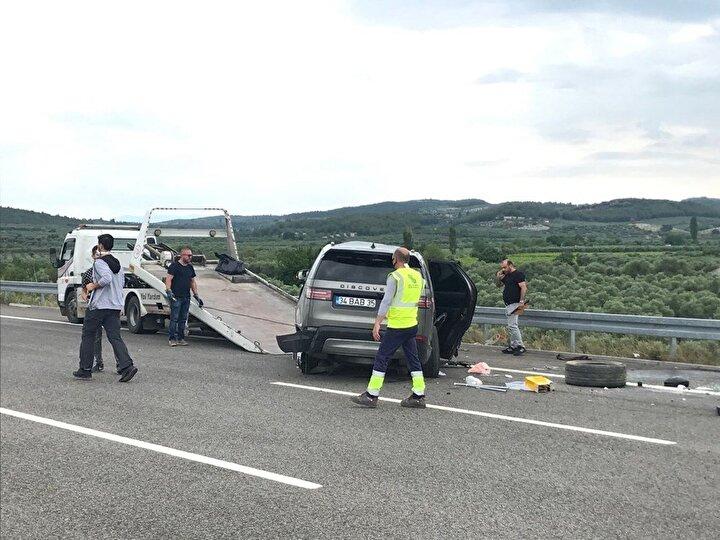 Şarkıcı ve ailesinin ölümden döndüğü kazayla ilgili rapor hazırlandı. Jandarma tarafından hazırlanan raporda, cipin takla atıp, 38 metre tavanı üzerinde sürüklenerek bariyere çarptığı belirtildi.