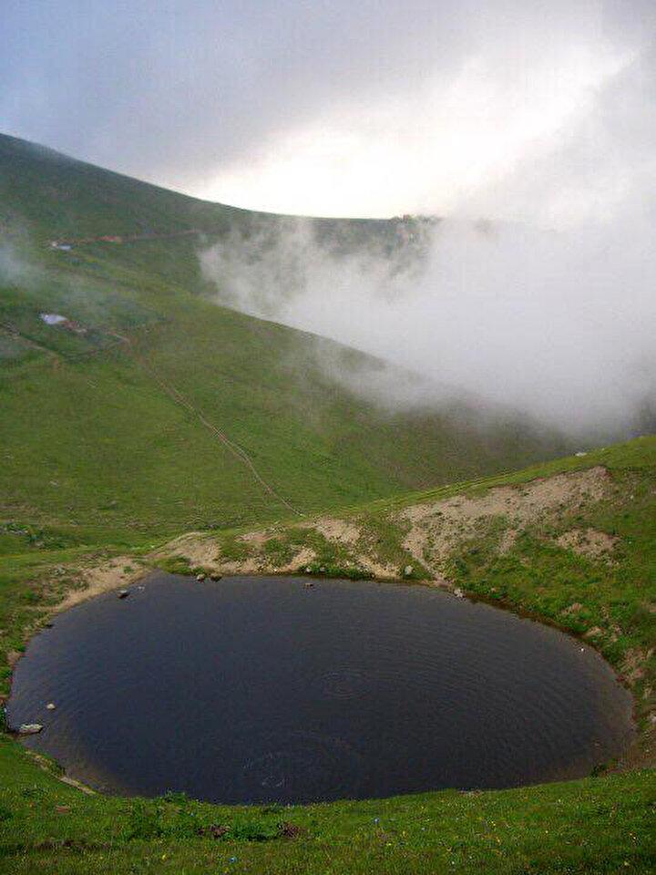 Hayati Koç da, Bozulan bir şeyi eski haline getirmek zor. Eski haline geleceğini tahmin etmiyorum. Eğer eski haline gelirse orası turizme kazandırılmalıdır. Göl turizme kazandırılırsa bölgemiz için çok güzel olur dedi.
