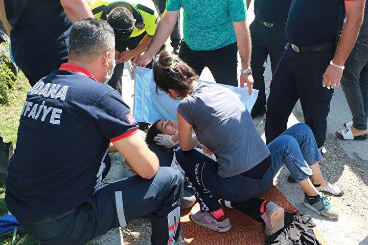 Yaralılar, daha sonra ambulanslarla çevredeki hastanelere götürüldü.