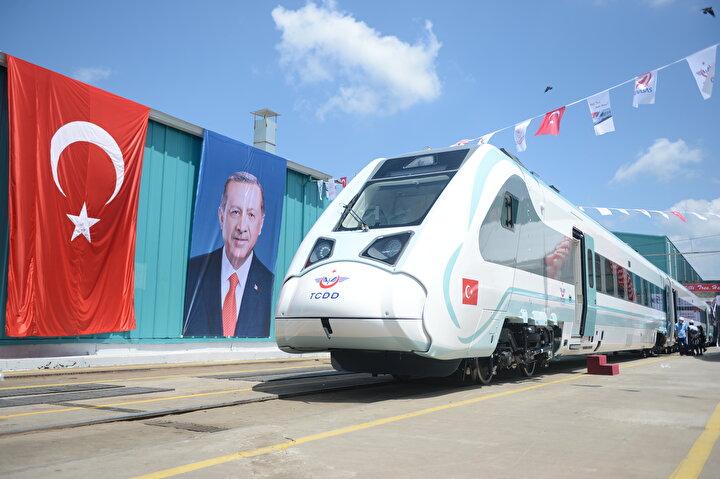 Fabrika testleri başlatılan yerli ve millî trenimizin ilk sürüşü Cumhurbaşkanımız tarafından yapılacak. diyen Karaismailoğlu, trenlerin yolcu taşımacılığına başladığında milletçe yaşayacakları mutluluğu hep birlikte paylaşacaklarını, Türkiyenin artık teknoloji üreten ve ürettiği teknolojiyi ihraç eden bir konuma gelirken, bu hamlenin ülkenin ulaşım teknolojileri ihracatına da güçlü katkılarda bulunacağını bildirdi.