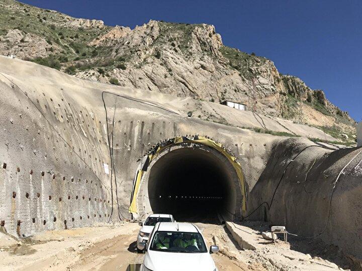 Vauk Dağı Tüneli'nin yüzde 20'si tamamlandı