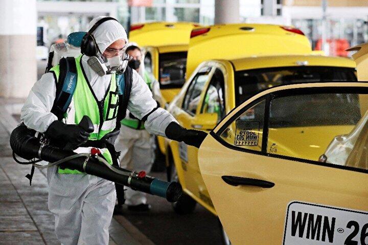 Yeni tip korona virüs (Covid-19) salgını dünya çapında etkisini sürdürürken Kolombiya'da sağlık sistemi çökmek üzere. Başkent Bogota'da yoğun bakım ünitelerindeki doluluk oranının yüzde 73.4'e ulaştığı bildirildi.