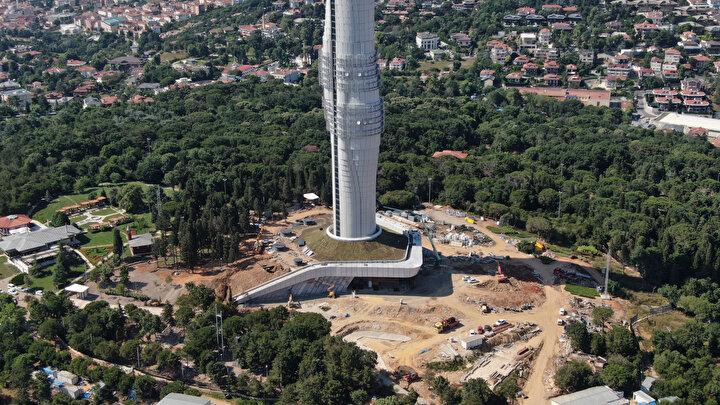 Kule  4 katı yerin altında her biri 4,5 metre yüksekliğinde 53 kattan oluşacak. 300 işçi ve mühendisin gece gündüz çalıştığı projede, tek noktadan televizyonlara, radyolara ve kişilere yayıncılık hizmeti verilmesi planlanıyor.