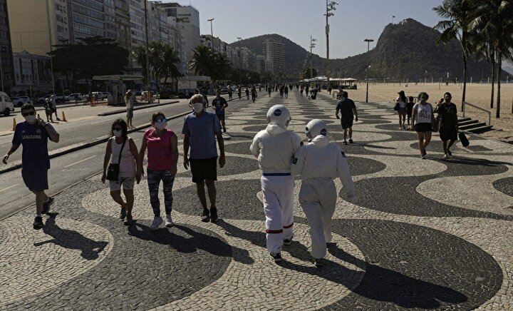 Salgını küçümseyen tavırlarıyla tanınan Devlet Başkanı Jair Bolsonaro, Covid-19 testinin pozitif çıktığını açıklamıştı.