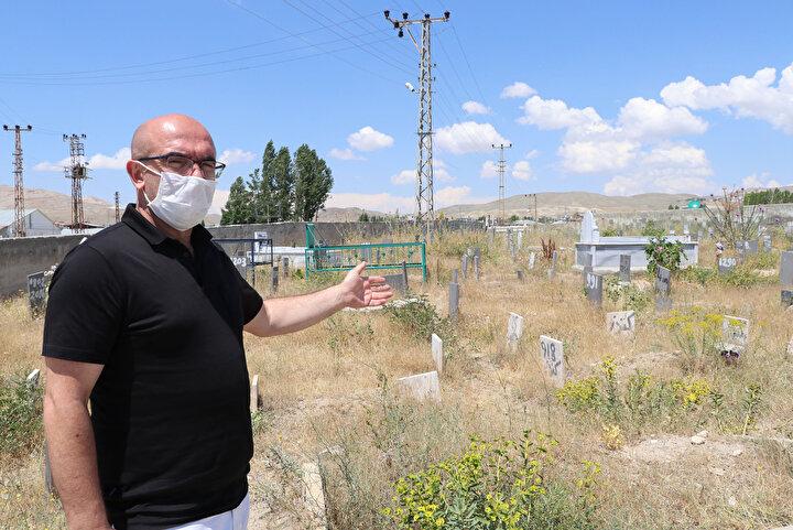 Adli Tıp Kurumundan biz bu cenazeleri alırken, numaralandırılmış şekilde alıyoruz. Biz de aynı şekilde numaralandırılmış şekilde mezarlıklar müdürlüğümüzde kayıt altına alıyoruz...