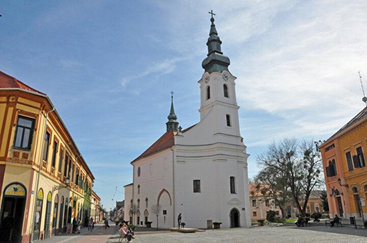 Fotoğrafta Macaristan Sigetvarda bulunan ve kiliseye çevrilen Ali Paşa Camisi görülüyor.