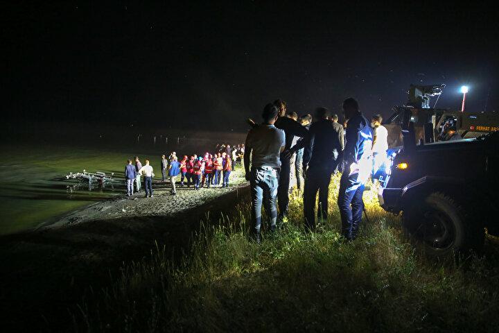 Bölgede, uçağın enkazının bulunması için çalışma başlatıldı.