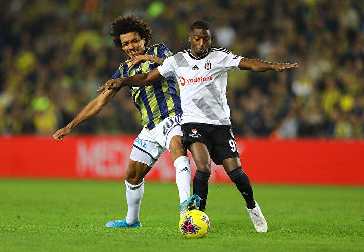 (Beşiktaş-Fenerbahçe derbisi): Beşiktaş açısından bu maç önemli. Trabzonsporun cezası kalkmazsa, Şampiyonlar Ligi ihtimali var. Şampiyonlar Ligi, Beşiktaşa finansal açıdan ve oyuncu ikna etme açısından bambaşka kapılar açar