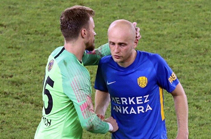 Sarı-lacivertli ekip, bu süreçte Galatasaray galibiyetinin dışında ise 3er mağlubiyet ve beraberlik aldı.
