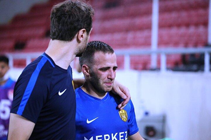 Teknik direktörler Metin Diyadin, Mustafa Kaplan, Mustafa Reşit Akçay ve İbrahim Üzülmezin görev yaptığı MKE Ankaragücü, iki sezondur mücadele ettiği Süper Lige veda etti. Sarı-lacivertli ekip, gelecek sezon TFF 1. Ligde mücadele edecek.