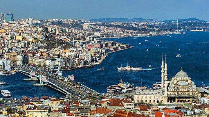 Türkiyeye 2019 yılında göç edenlerin illere göre dağılımı incelendiğinde, yüzde 45,3 oranı ile en fazla göç alan ilin İstanbul olduğu görüldü. İstanbulu, yüzde 9,2 ile Ankara, yüzde 6,5 ile Antalya, yüzde 3,5 ile Bursa ve yüzde 2,2 ile İzmir takip etti.