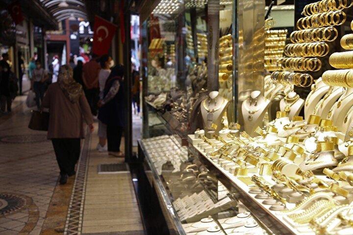 Fiyatların yükselmesi nedeni ile düşük ayardaki altınlarda vitrinlerde yerini almaya başladı.
