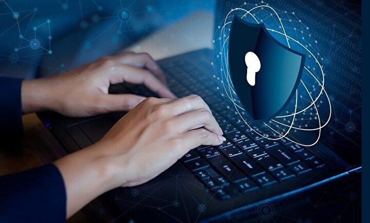 Pandemi sürecinin başlı başına bir olağanüstü durumu içermesinin kişisel veriler konusunda da tüketicilerin bilinç düzeylerini değiştirdiğine dikkat çeken uzmanlar, gerekli siber güvenlik adımları atmayan şirketlere karşı müşterilerin bağlılık oranlarının ciddi oranda değişeceğini ve müşteri kayıplarında bu durumun önemli bir etken olarak karşılarına çıkacağını belirtiyor.