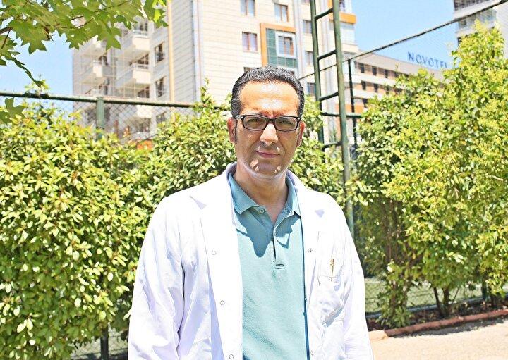 Dicle Üniversitesi Tıp Fakültesi Nöroloji Anabilim Dalı Öğretim Üyesi Prof. Dr. Mehmet Uğur Çevik, sıcak havalarda günlük 2 ila 3 litre su tüketmesi gerektiğinin önerisinde bulundu.
