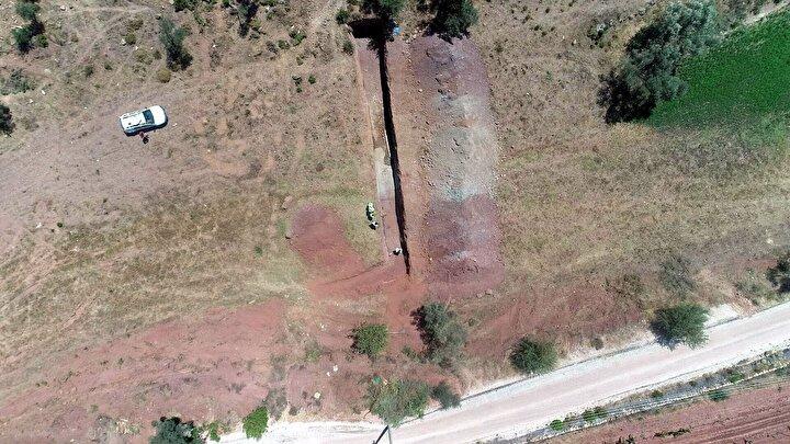 DEÜ ve Afyon Kocatepe Üniversitesi iş birliğinde iki yıldır devam eden TÜBİTAK projesi kapsamında İzmiri en çok etkileyen fayların jeolojik geçmişi araştırılıyor.
