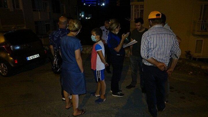 Binada kalanların olması ihtimalini göz önünde bulunduran ekipler, blok içerisinde son kez yaptıkları kontrol ardından Bursagaz ekipleri binanın gazını kesti.