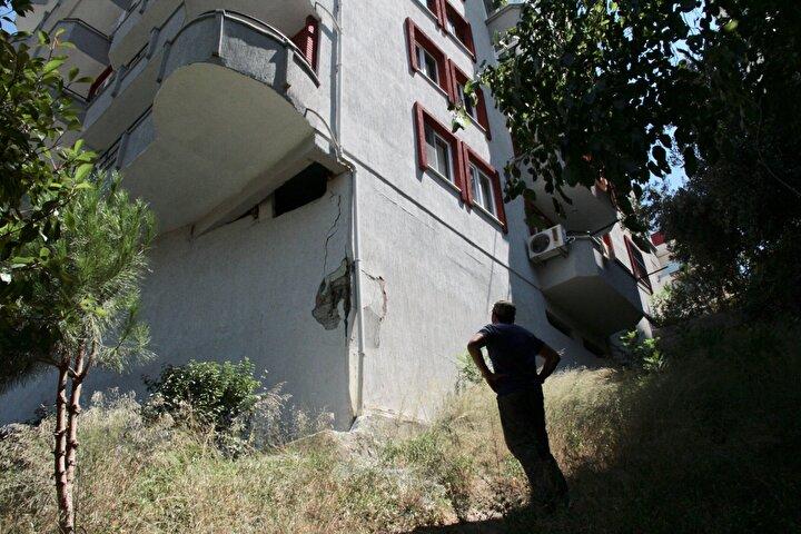 Sitede başka bir blokta oturan Murat Kolsuz da benzer bir durumun kendilerinin de başlarına gelmesinden endişe ettiklerini anlattı.