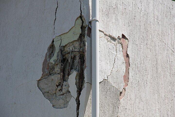 Binada yaşayan 70 kişi, yıkılma tehlikesi nedeniyle geçici olarak tahliye edildi ve apartmanın girişleri bant çekilerek kapatıldı. Bu kişilerden bazıları yakınlarının yanına gitti. Gidecek yeri olmayan 6 ailenin 18 bireyi ise Mudanya Belediyesi tarafından otellere yerleştirildi.